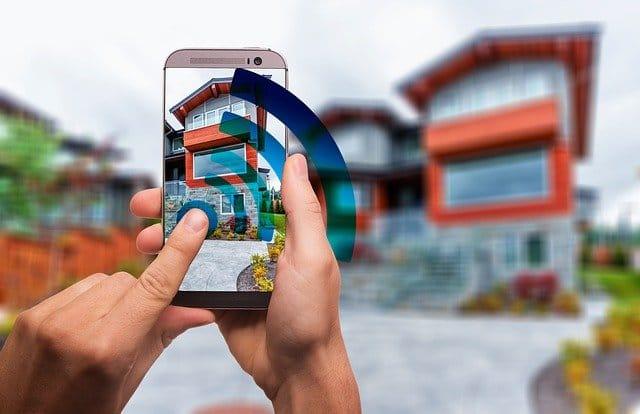 בית חכם ומעוצב באמצעות טכנולוגיה של מתח נמוך